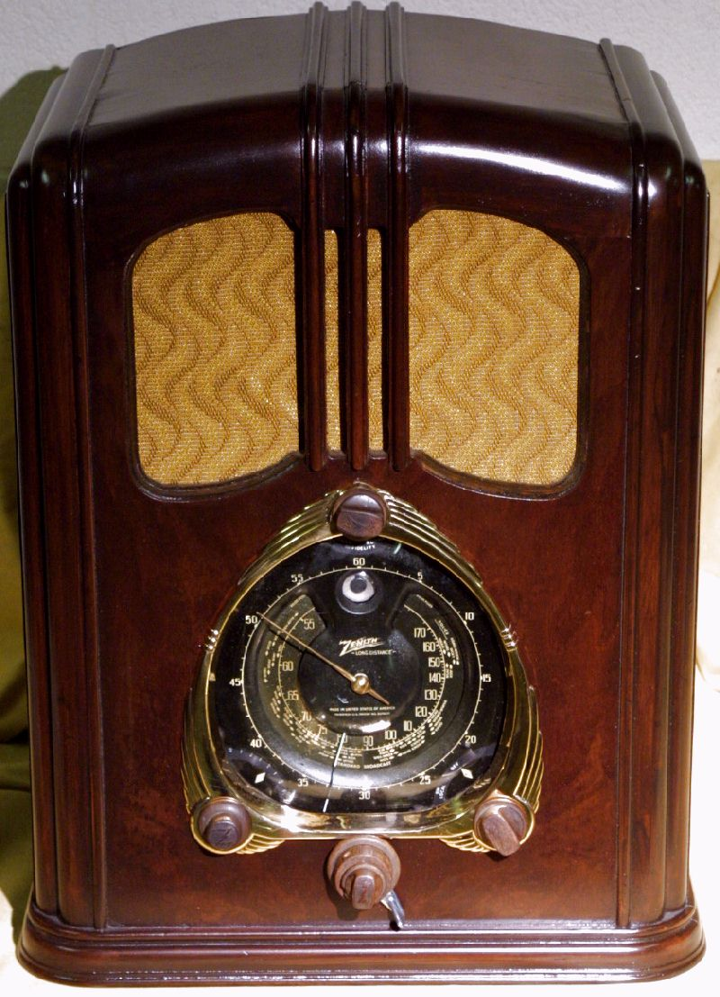 Item on tube radio restoration
